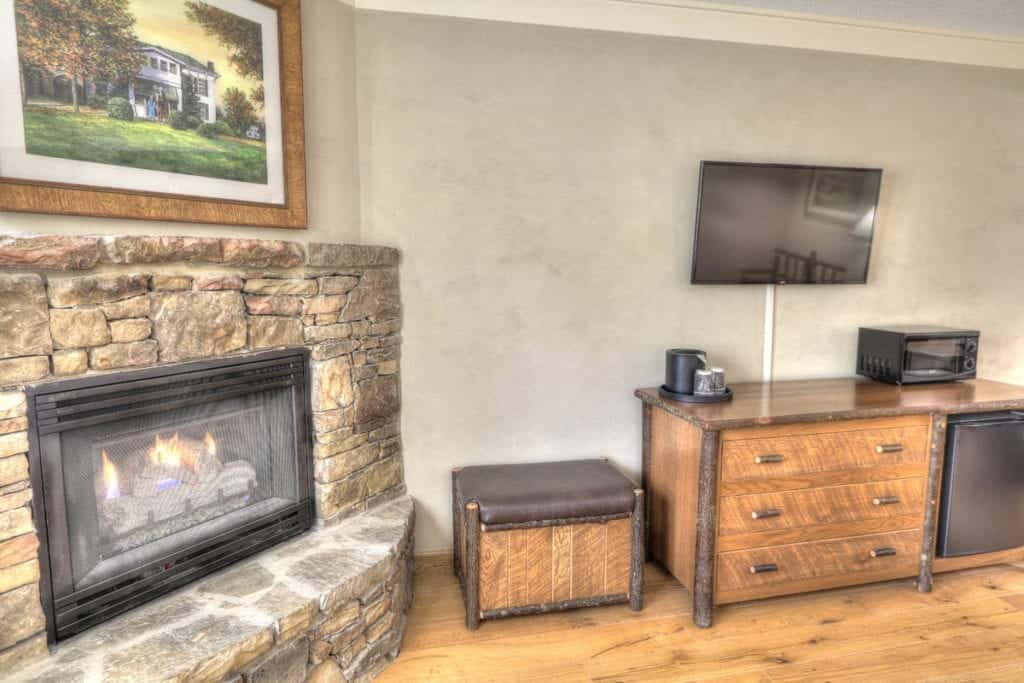 Premiere King Room with Fireplace