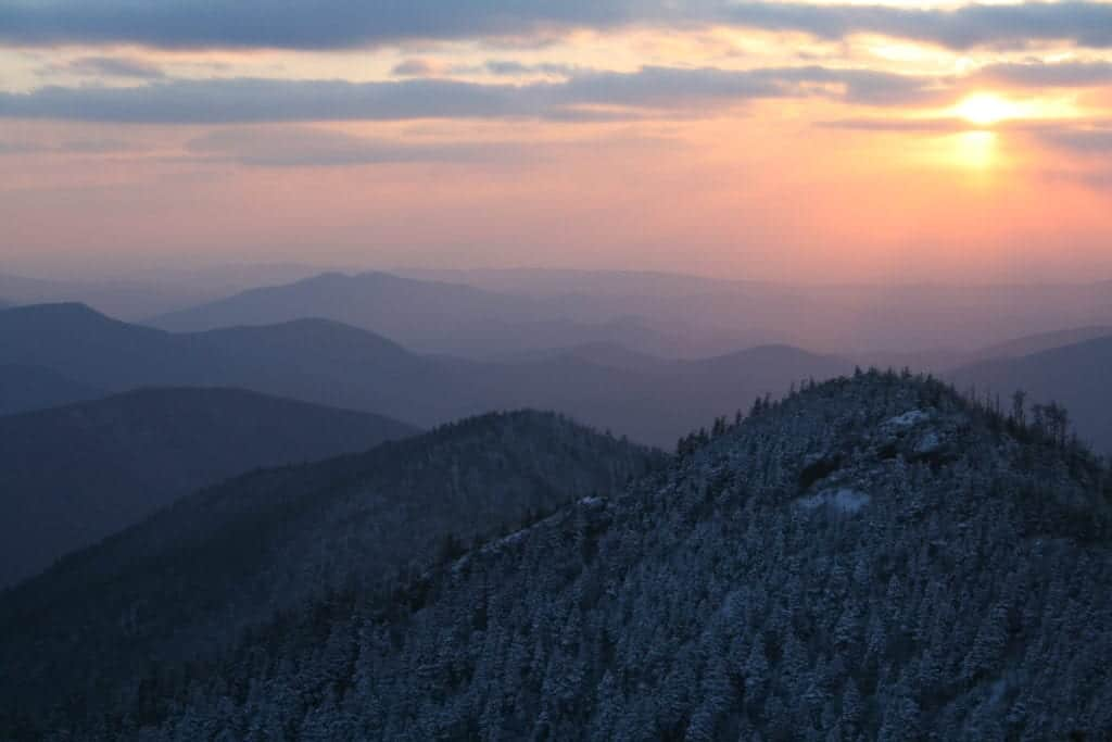 Top 4 Things to Do When You Stay at Our Hotel Near the Smoky Mountains in the Winter