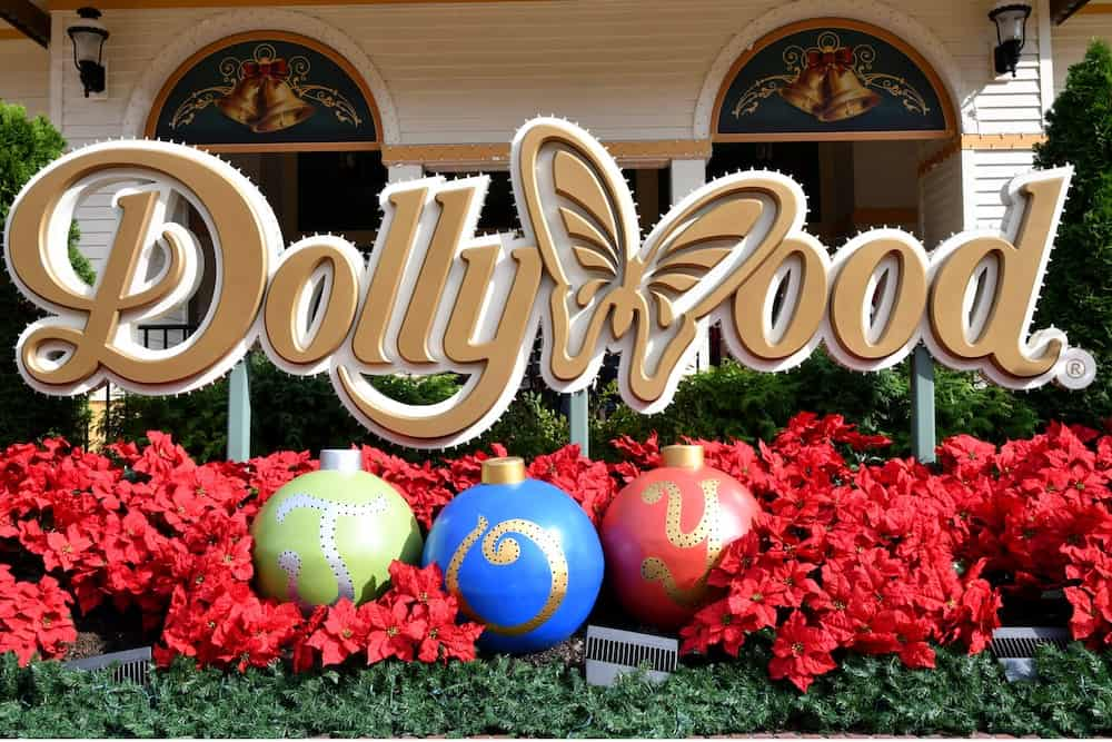 Top 4 Reasons Your Kids Will Love Smoky Mountain Christmas at Dollywood