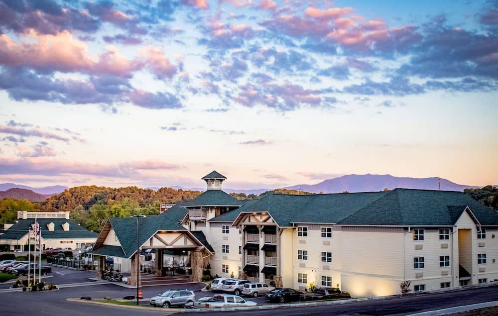 The Lodge at Five Oaks Sevierville hotel